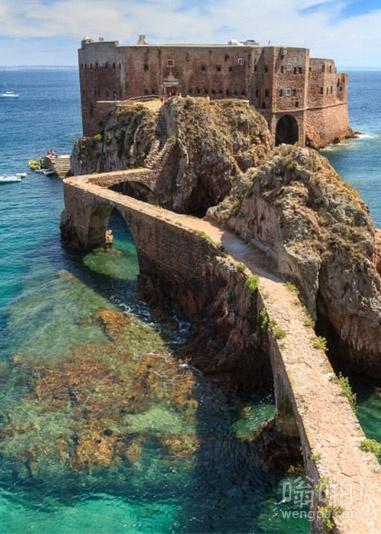 被遗弃的海洋堡