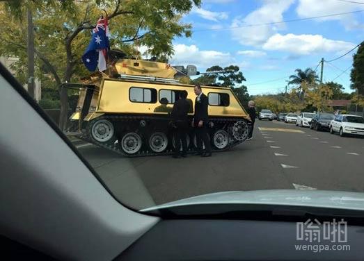 澳大利亚黄金坦克婚车