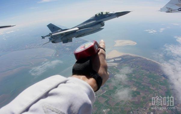降落时发现的F16