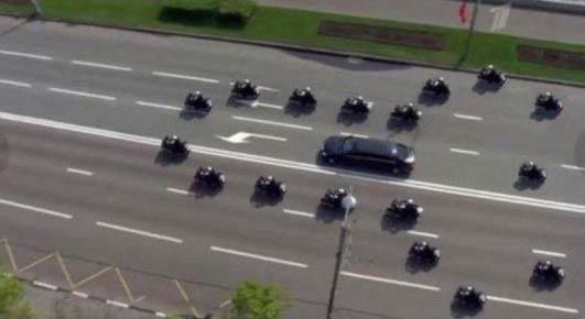 澳大利亚警方护送普京…这队形是不是有点意思