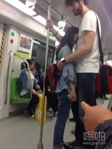 地铁三号线!最萌身高差