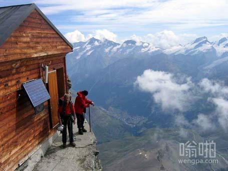 梦想在悬崖上的房子里住 感觉这个悬崖有点高