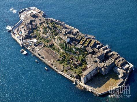 """""""战舰岛"""",日本最著名的被遗弃的岛屿之一。"""