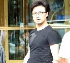 汪峰回应偷拍事件:没有我大陆乐坛失半壁江山 遭网友恶搞