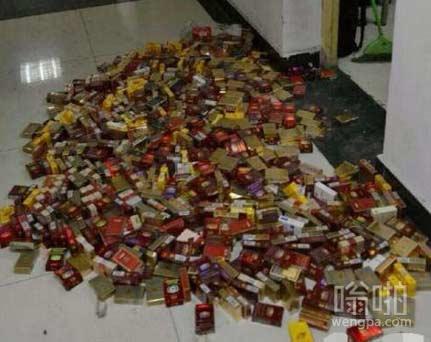 大学4年抽700盒烟 室友:我至少抽了100盒二手烟