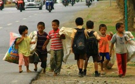 菲律宾男生在工作