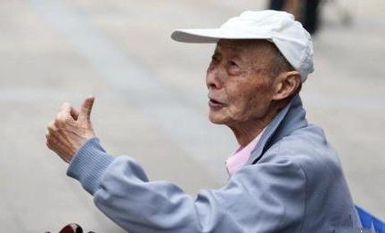 为圆大学梦86岁老人连续15次参加高考