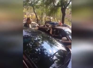 【视频】实拍哈尔滨交警与群众对骂 语言粗俗蛮横引公愤