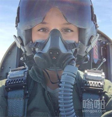 以色列美女飞行员 以色列空军女飞行员自拍