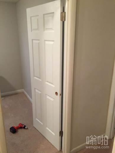 满心欢喜动手装门 装上一半后发现装反了。。。。我这暴脾气。。。