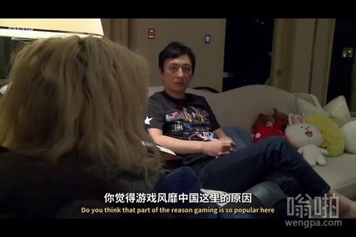 王思聪豪宅内接受BBC纪录片记者采访 全程飙英文 分析问题头头是道