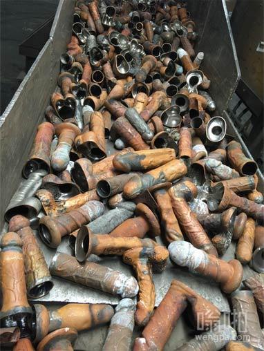我的朋友拥有一个金属回收厂 很吊的感觉