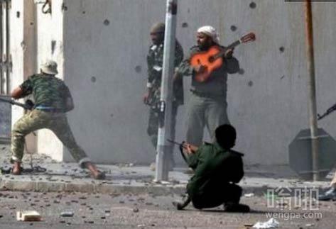 现代战争中的弹琴助威
