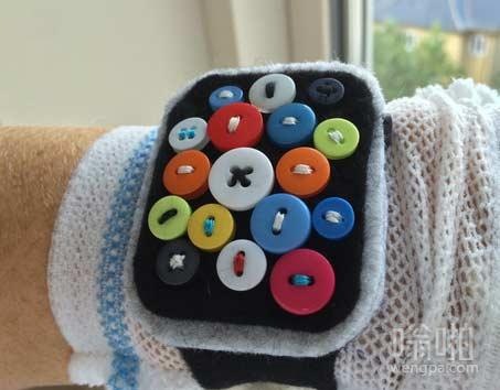 纽扣苹果手表