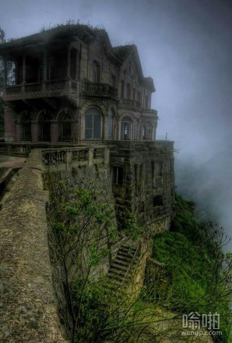 被遗弃的萨尔瓦多德尔酒店,哥伦比亚萨尔托。漂亮的令人毛骨悚然,是吧?