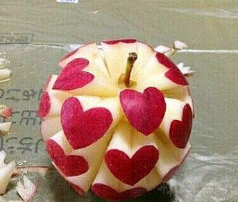 能把苹果雕成这样,还愁找不到对象