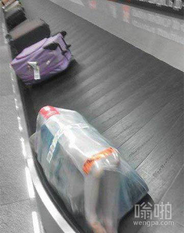 机场取行李,吓死了