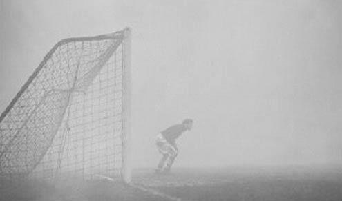 查尔顿门将巴特拉姆遭遇雾霾