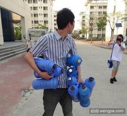 我只是给女生宿舍送个水