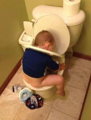 他说要自己上厕所