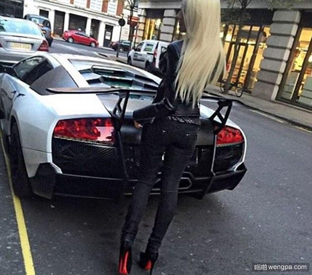 伦敦富家女炫富