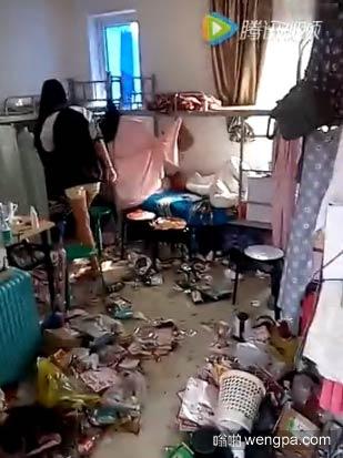 【视频】史上最脏女生宿舍 太脏了堪比垃圾场 - 嗡啪视频