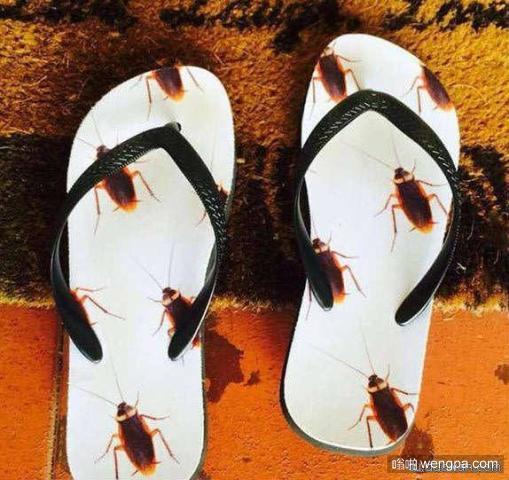 一双丧心病狂的拖鞋 这印花你敢穿吗