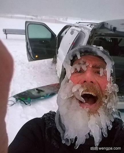 冰冻胡子 冻成圣诞老人