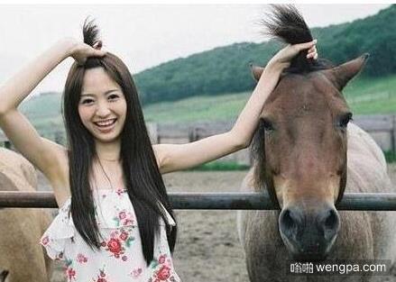 小马辫儿 感觉马儿的辫子比妹子的更飘逸
