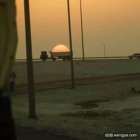 卡车,试图带走阳光-嗡啪搞笑图片