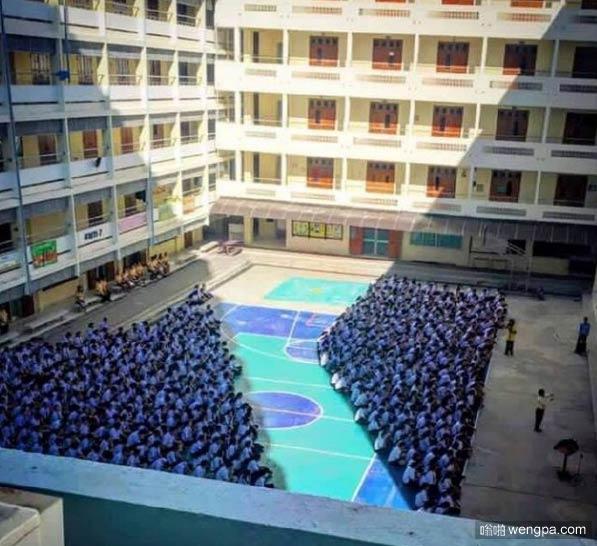 泰国某学校的朝会