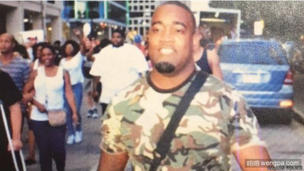 美国达拉斯发生重大枪击案 11名警察被狙击5名警察阵亡