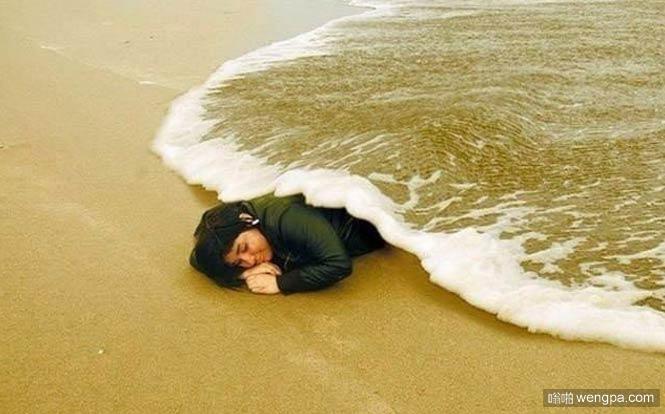 海浪当作被子
