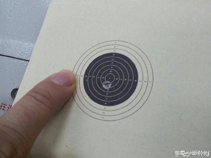 奥运会射击比赛十米汽步枪的靶 想想难度有多大