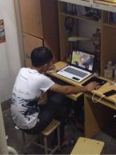 【坑室友笑话】趁室友不在、把他电脑打开、在桌面上截屏、然后把桌面上的快捷方式全部拖回收站