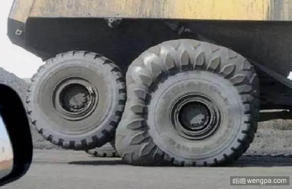 要炸了要炸了 好吓人的轮胎