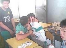 【笑话】初中有个同学叫刘洋,有一天上课不好好学习