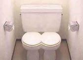 【同事笑话】记得以前有个同事宿舍卫生间的马桶堵住了 后来他从上班的地方带了两条泥鳅