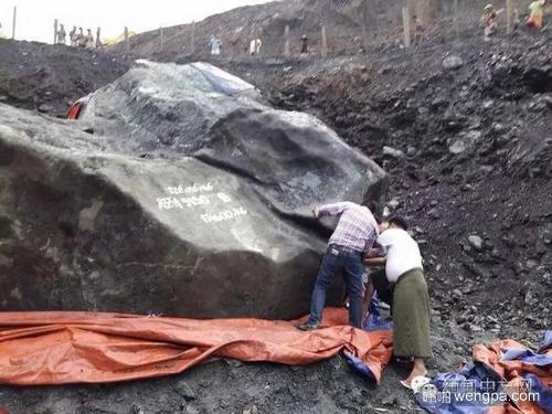 世界最大玉石 缅甸发现近200吨玉原石 有2间房子大