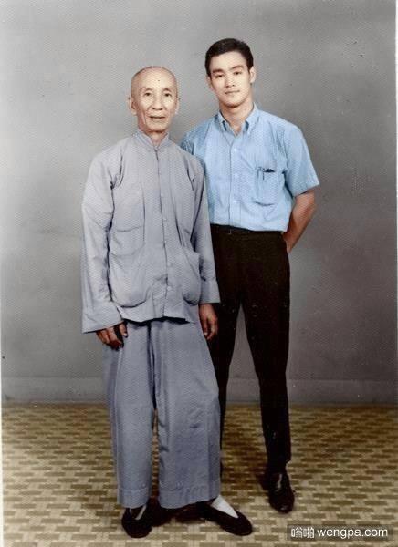 李小龙和他的师傅叶问(60年代)