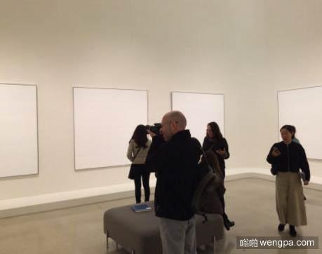 纽约古根海姆博物馆 艺术家Agnes Martin的作品展 这不就是白纸一张嘛