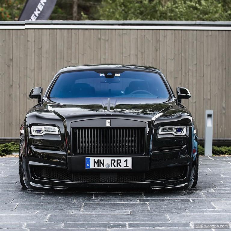 漂亮的全黑色豪车 车牌也不错