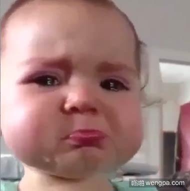 甜蜜的哭了 小孩哭搞笑图片