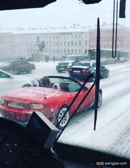 神奇的国家 下雪天开敞篷车 俄罗斯 - 嗡啪网