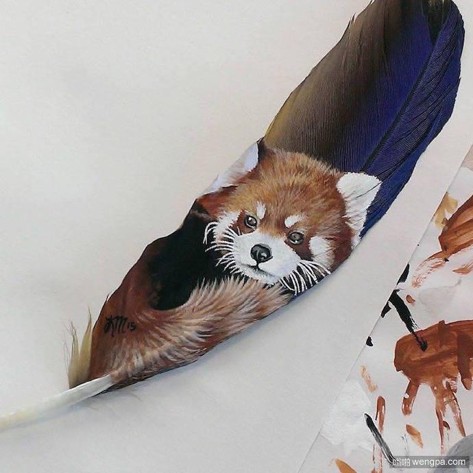 用火鸡和金刚鹦鹉的羽毛做画布——在羽毛上作画的艺术家,Krystle Missildine