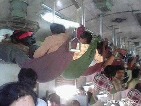 印度阿三的挂票 印度人乘车搞笑图片 - 嗡啪网