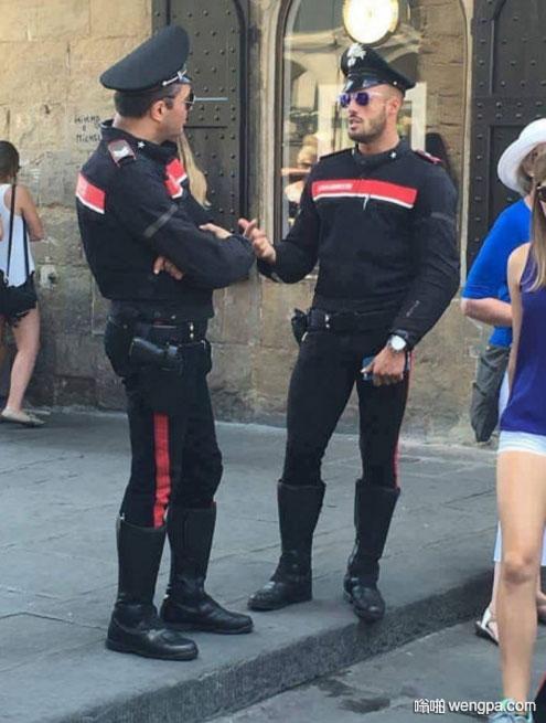 意大利警察制服 你觉得怎么样