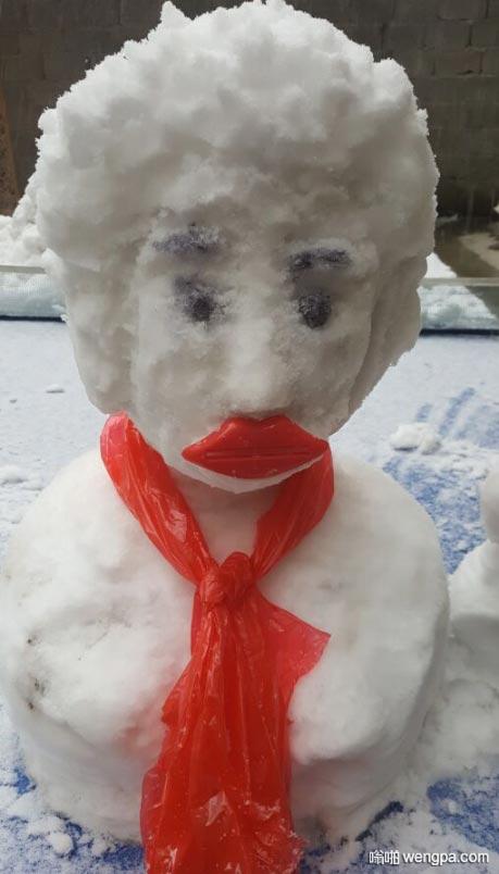 北京下雪了 堆个雪人