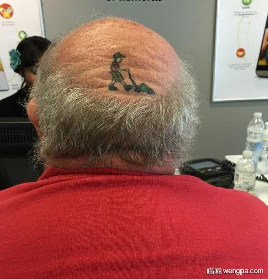 这是一个令人敬畏的家伙 有趣的谢顶纹身搞笑图片 - 嗡啪网