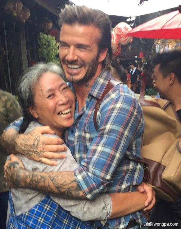 贝克汉姆在曼谷交朋友